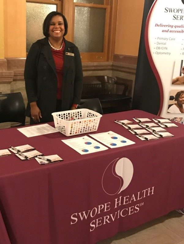MK_working SHS booth_Topeka Capitol